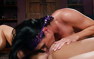 2 lovely lassies play lesbian games in HD flick